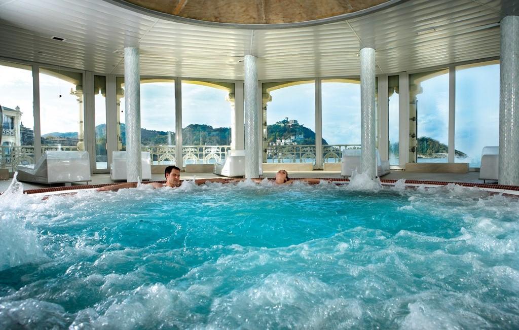 La perla salud placer y relax ofertas alojamiento san for Mund piscina